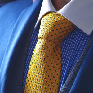 Žltá kravata bodkovaná hodvábna