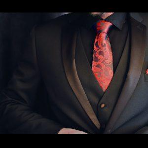 Čierno červená paisley hodvábna pánska kravata