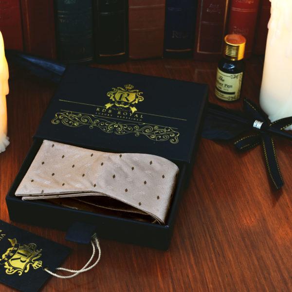 Hnedo Béžový Krémový Hodvábny Motýlik Pre Pánov na Svadbu Alebo Spoločenskú Udalosť