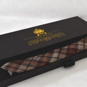 Luxusná bavlnená kravata hnedej béžovej farby kockovaného vzoru