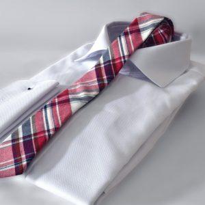 Luxusná bavlnená kravata červeno modrej farby kockovaného vzoru