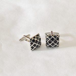 čierno strieborné manžetové gombíky diamantový vzoru
