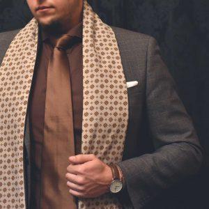 Luxusný hodvábny jemný elegantný krémový béžový foulard pánsky šál