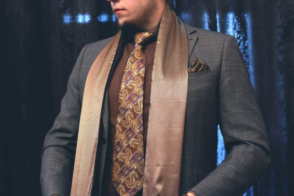 60bdf9116e6e Luxusný pánsky elegantný zlatý šál do saka alebo obleku