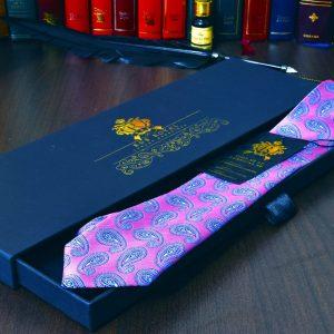hodvábna paisley ružovo fialová kravata
