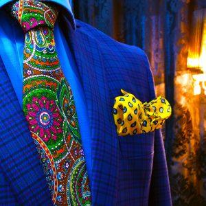 pestrofarebná hodvábna paisley kravata modrá zelená červená